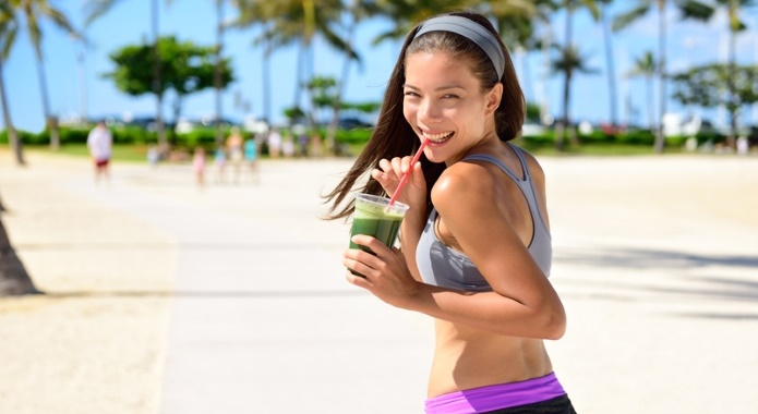 woman-with-detoxing-smoothie